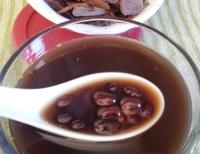 黑豆養生湯料理食譜-十全大補黑豆湯做法料理:十全大補黑豆功效活血解毒!